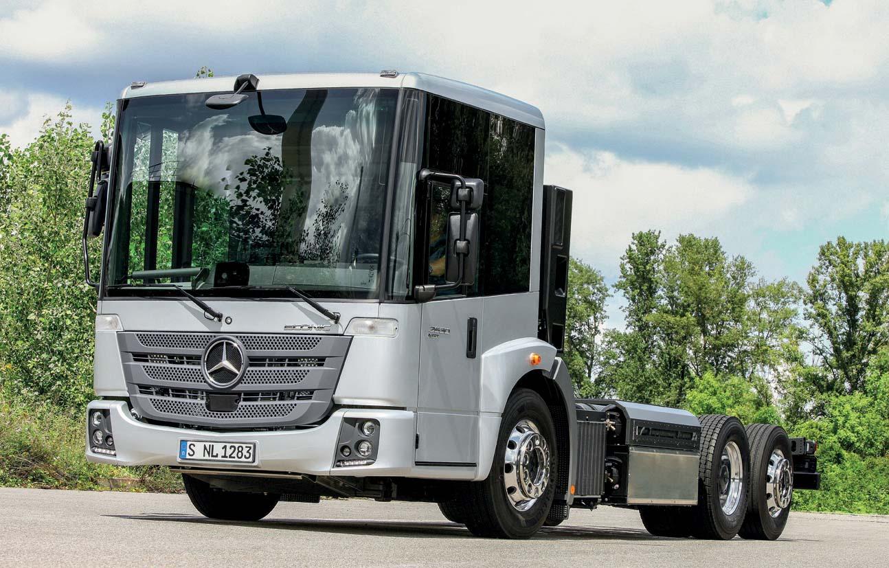 Daimler Truck a Transpotec 2015 con la Truck Square