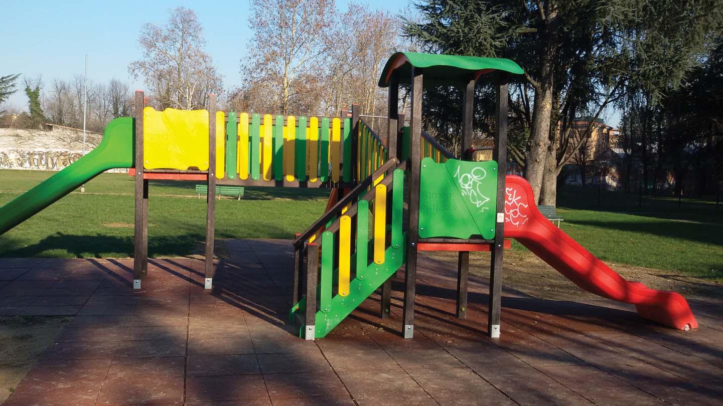 Parchi gioco in degrado soggetti ad atti vandalici