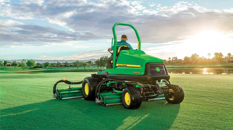 Quintupla da fairway PrecisionCut 8900A John Deere: un nuovo livello di prestazioni e produttività sui campi da golf