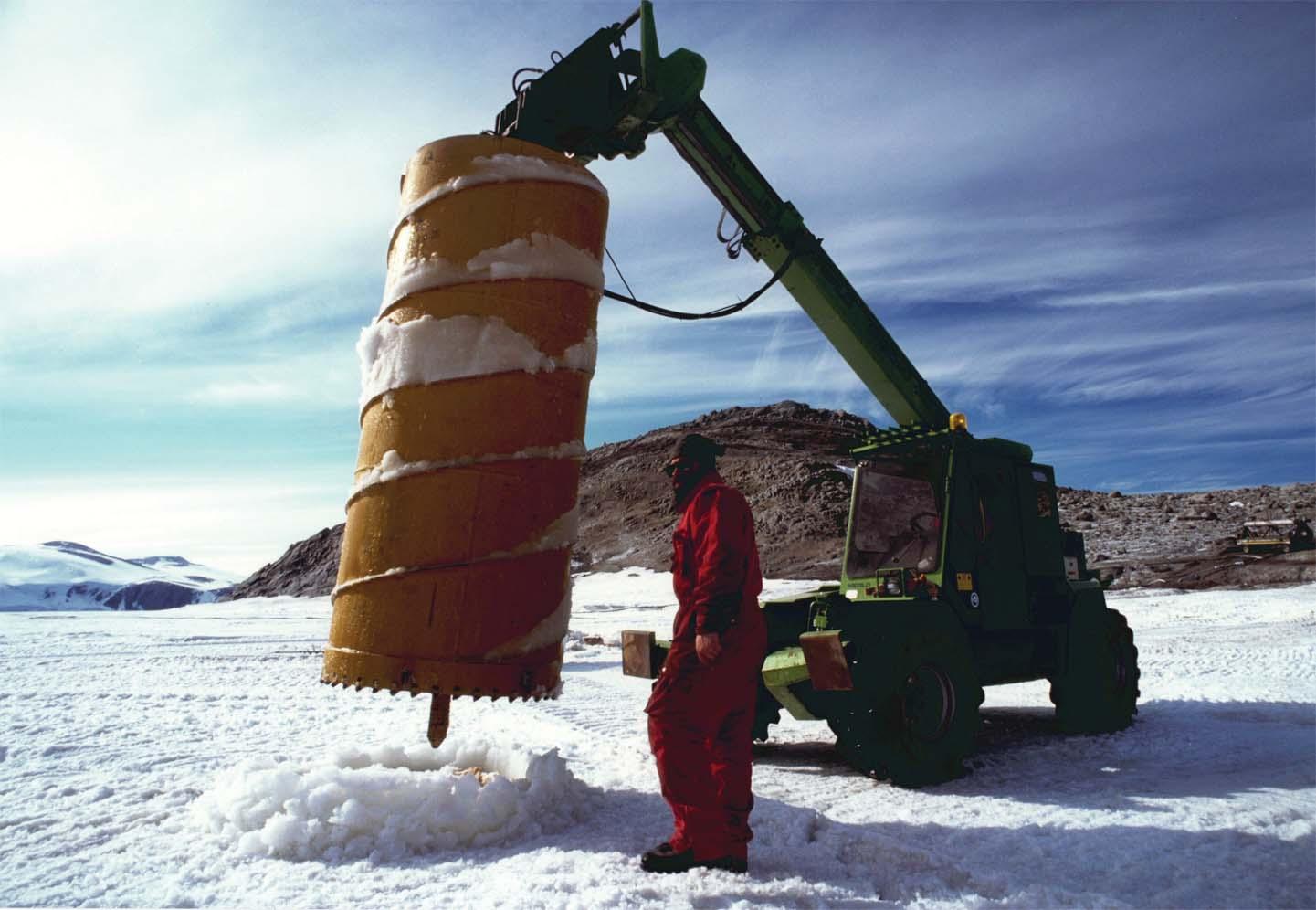 Al freddo e al gelo il Gruppo Merlo festeggia 30 anni di presenza al Polo Sud