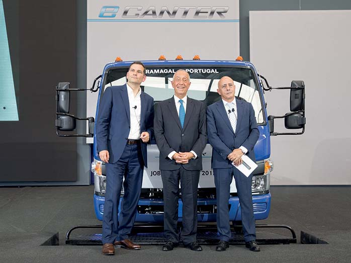 Daimler avvia la produzione in serie di Fuso eCanter, primo autocarro leggero a trazione completamente elettrica