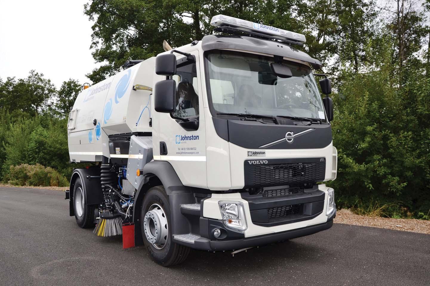 Debutta a IFAT la prima spazzatrice idrostatica Volvo con trasmissione Allison