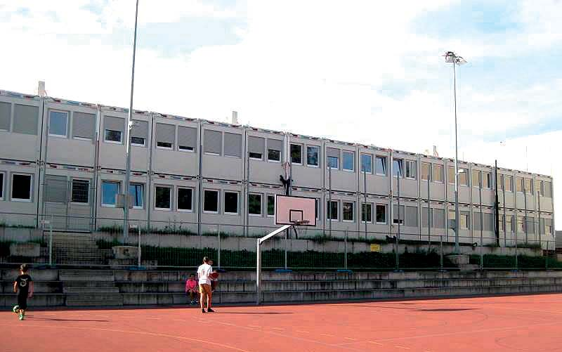 Containex consegna il più grande centro scolastico temporaneo con moduli abitativi in Svizzera