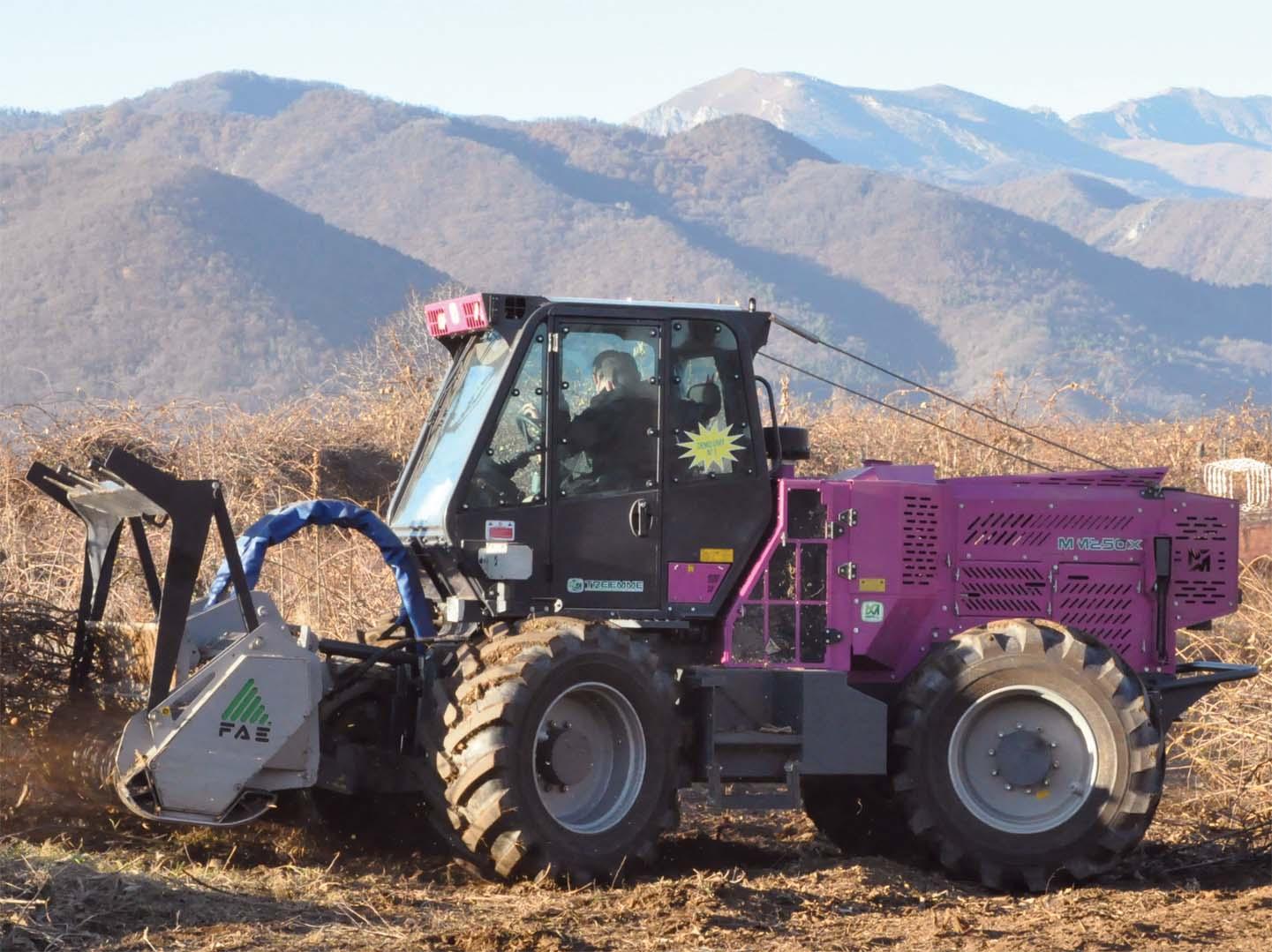 Merlo presenta la nuova serie X dei trattori  portattrezzi Tre Emme
