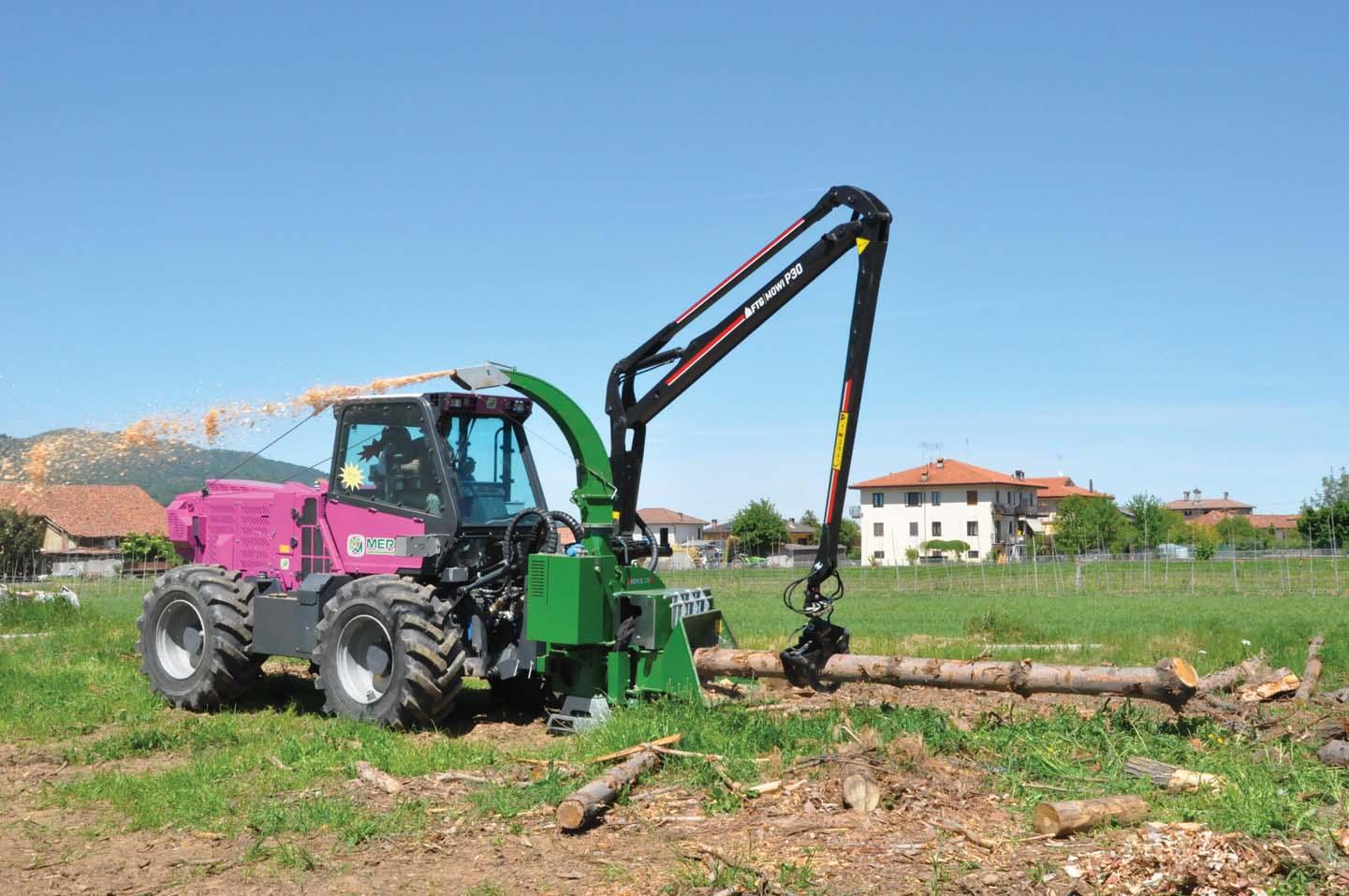 Cippatrice autocaricante mobile per la nuova serie X dei trattori portattrezzi Tre Emme Merlo