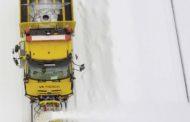 Unimog per lo sgombero della neve dai binari del treno in Finlandia