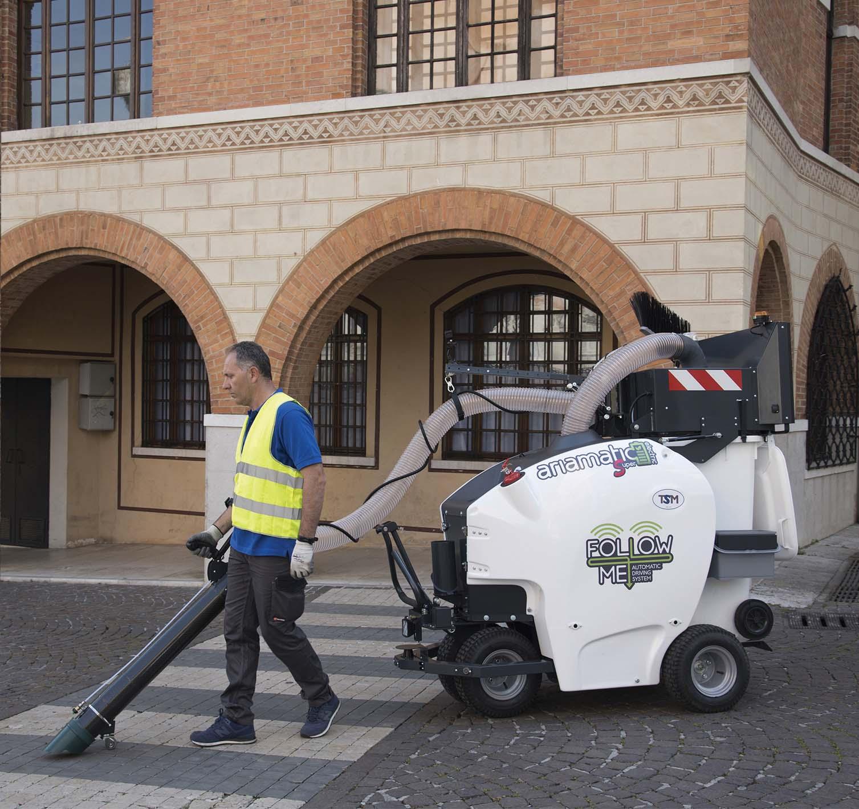 TSM e MI&P presentano Ariamatic 240, l'unico aspiratore urbano per rifiuti a guida autonoma