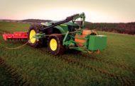 John Deere sviluppa GridCON, il primo trattoreelettricoalimentato via cavo